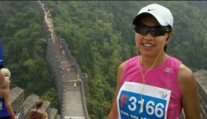 Eva in marathon race at Great Wall of China
